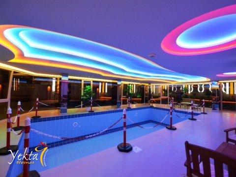 Фотография закрытого бассейна в Yekta Plaza Residence