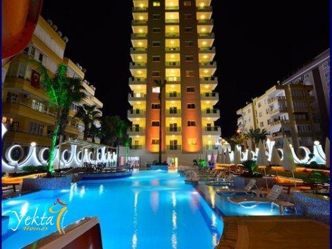 Фотография с видом на бассейн Yekta Queen Residence