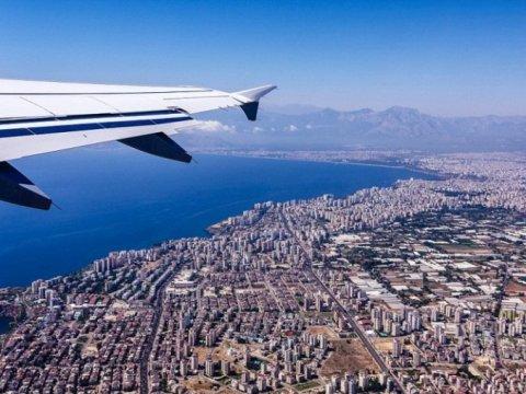 Всех прибывающих в Турцию иностранцев будут тестировать на коронавирус